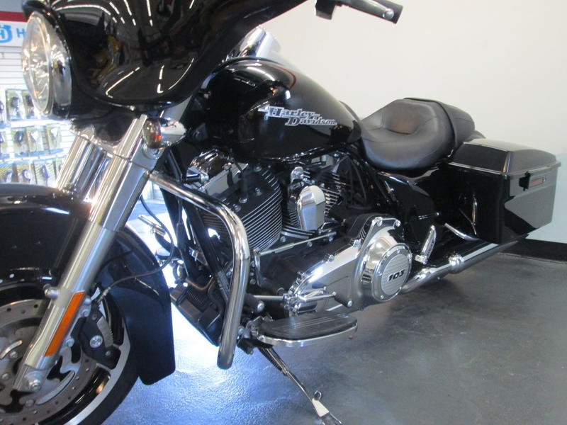 2013 Harley-Davidson FLHX - Street Glide 10