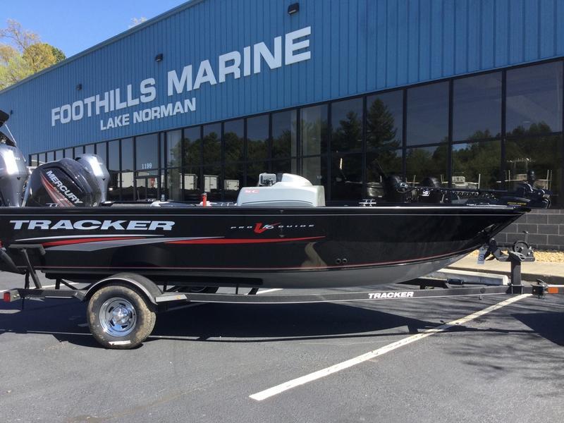 2018 Tracker® Boats Pro Guide™ V-16 SC BUJ26423D818 | Foothills Marine