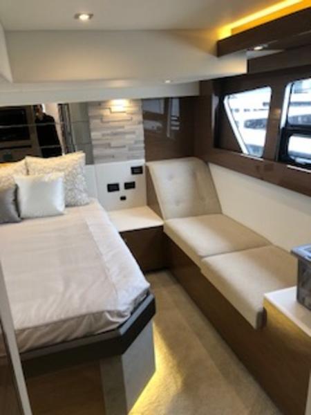Cruisers Yachts 50 Cantius 2018