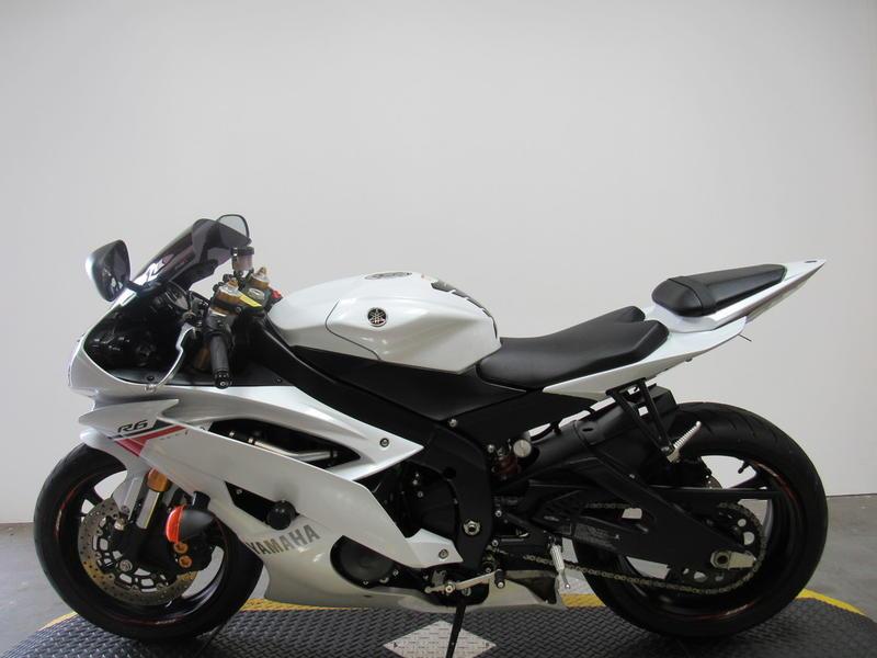 2015 Yamaha R6 8