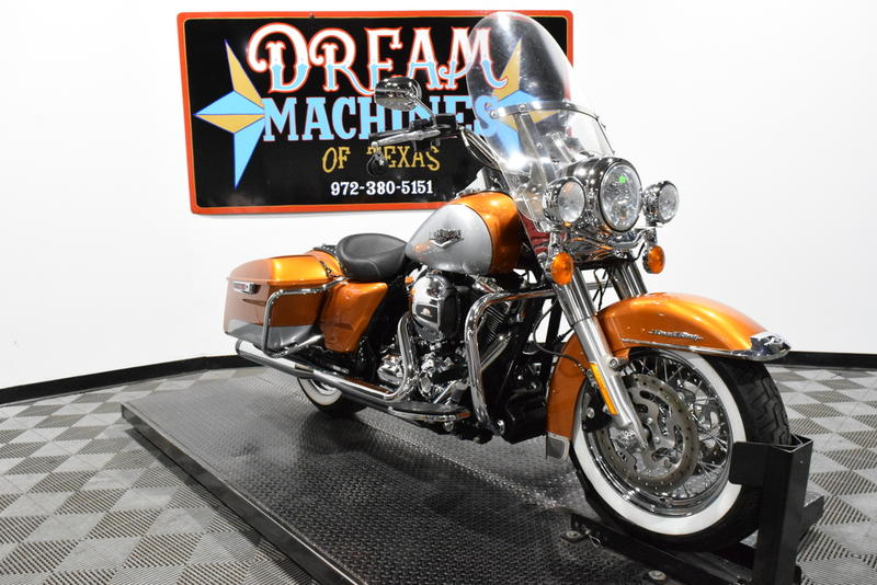 FLHR - Road King -- Dream Machines of Texas 2014 Harley-Davidson FLHR - Road King  32193 Miles Silve