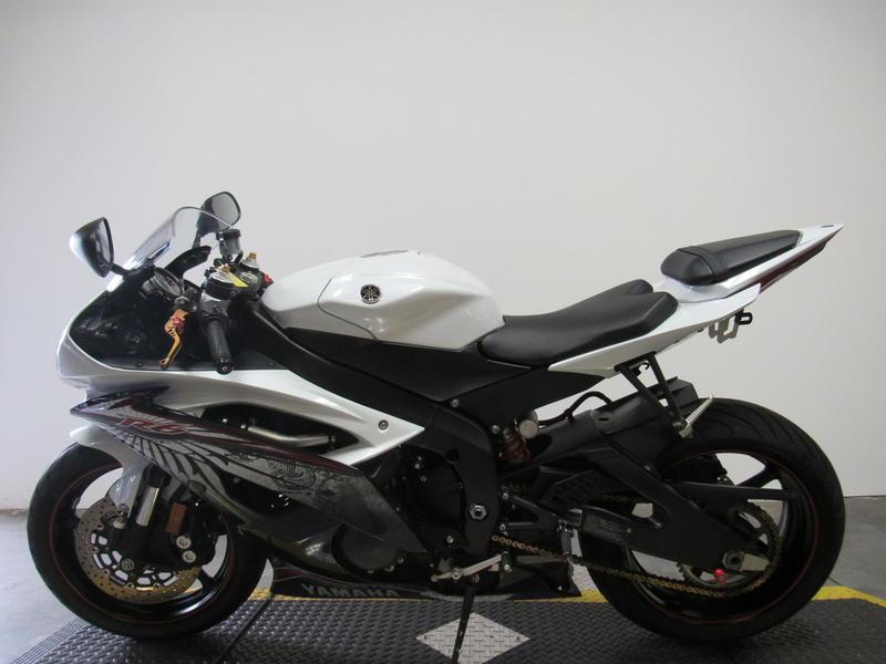 2012 Yamaha R6 8