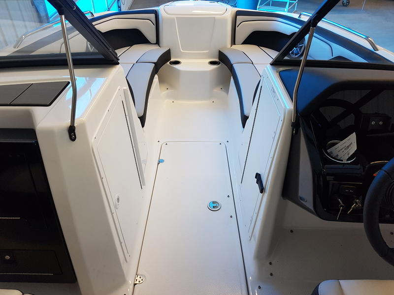 2019 Yamaha boat for sale, model of the boat is 212X & Image # 5 of 8