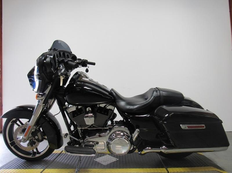 2016 Harley-Davidson FLHX - Street Glide 2