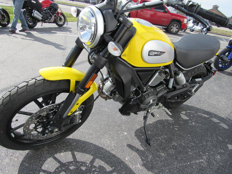 2019 Ducati Scrambler Icon 62 Yellow V1 Moto