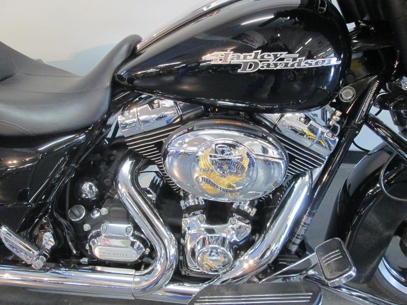 2013 Harley-Davidson FLHX - Street Glide 4