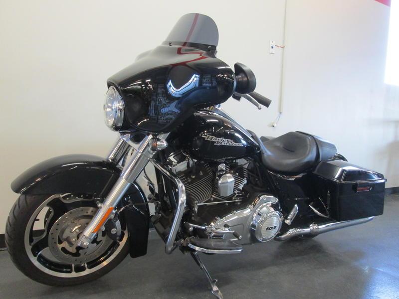 2013 Harley-Davidson FLHX - Street Glide 12