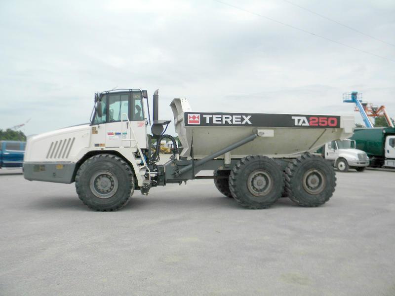 2013 TEREX TA250 Off Highway Truck