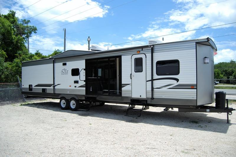 2020 Forest River Wildwood DLX 4002Q | Holiday RV and Marine