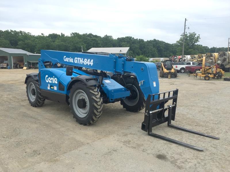 2017 GENIE GTH844 Forklift