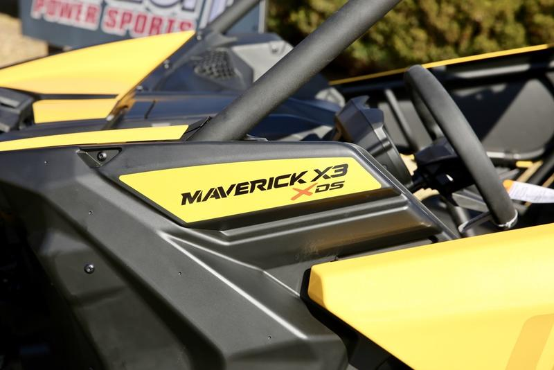 2018 Can-Am™ Maverick X3 X DS Turbo R 10