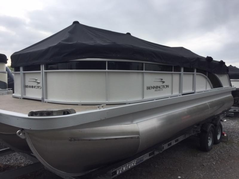 2019 BENNINGTON 22 S STERN RADIUS FASTBACK PREMIUM for sale