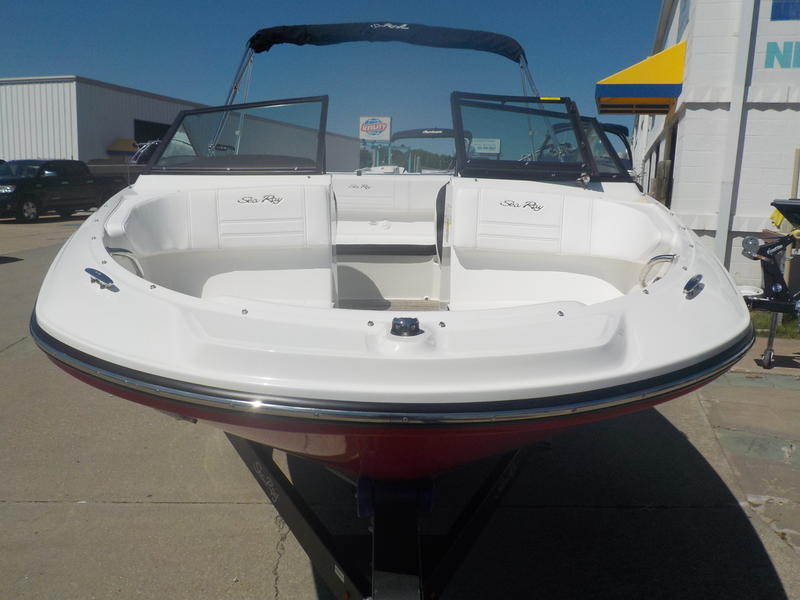2020 Sea Ray boat for sale, model of the boat is SPX 190 & Image # 13 of 14