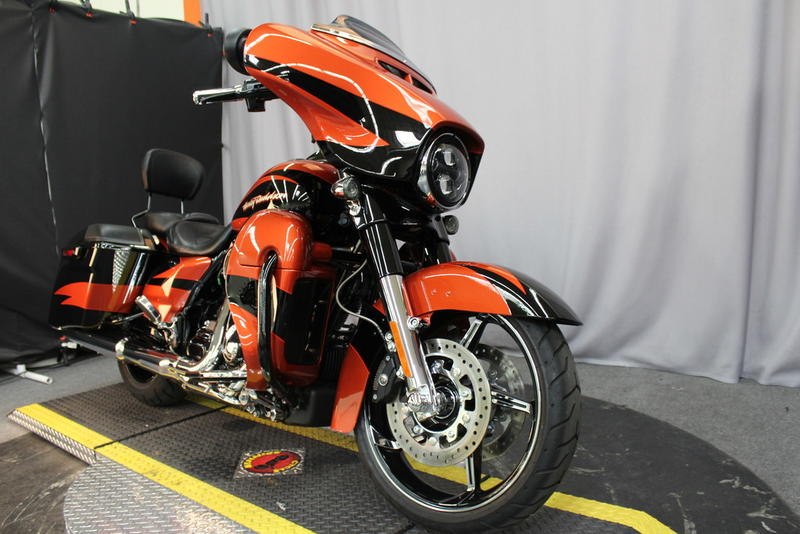 2017 Harley-Davidson® FLHXSE - CVO™ Street Glide® | Biggs HD®