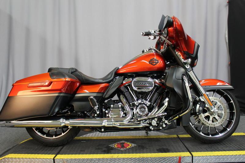 879ae441aca 2018 Harley-Davidson® FLHXSE - CVO™ Street Glide®   Biggs HD®