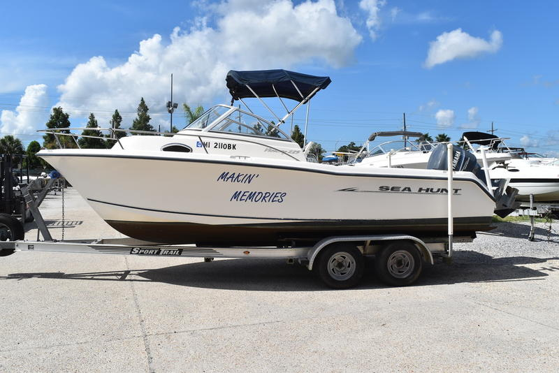 Used  2005 Sea Hunt Victory 225 WA  Walkaround in Marrero, Louisiana