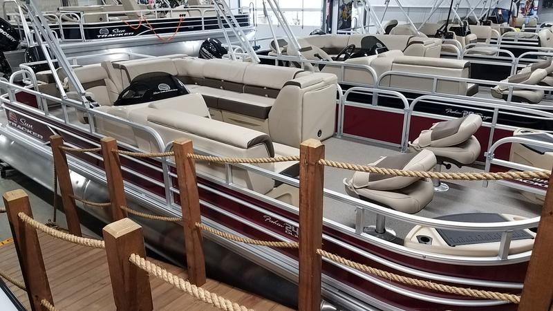 2018  FISHIN BARGE 24 DLX for sale 59317