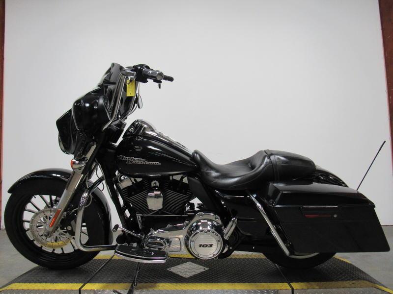 2013 Harley-Davidson FLHX - Street Glide 9
