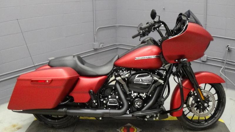 2019 Harley-Davidson® FLTRXS - Road Glide® Special | Big Sky