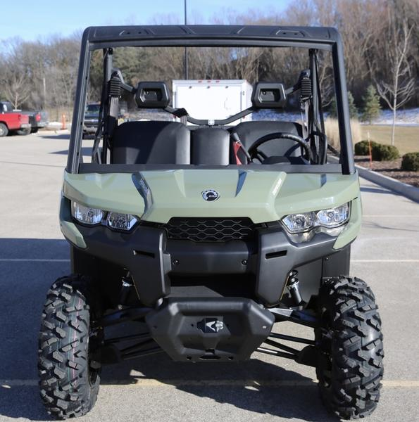 2018 Can-Am™ Defender DPS HD8 7