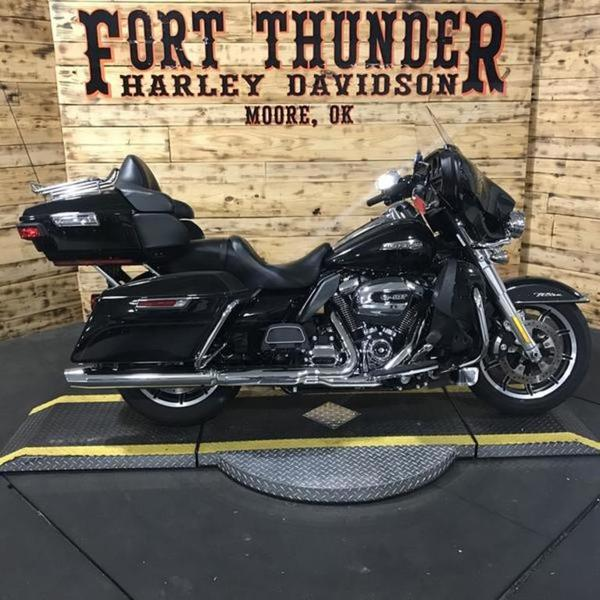 802a1124c52496 2018 Harley-Davidson® FLHTCU - Electra Glide® Ultra Classic ...