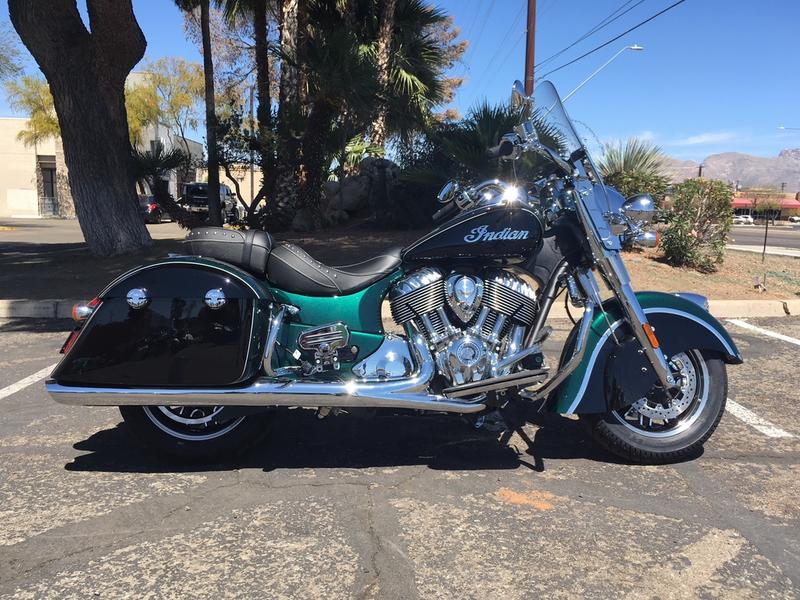 2019 Indian Motorcycle® Springfield® Metallic Jade / Thunder