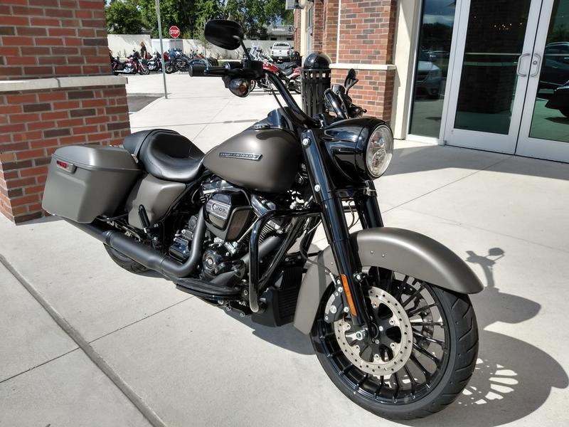 2018 Harley-Davidson® FLHRXS - Road King® Special | Miracle