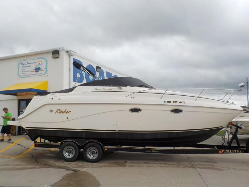 2001 RINKER 270 FIESTA VEE for sale