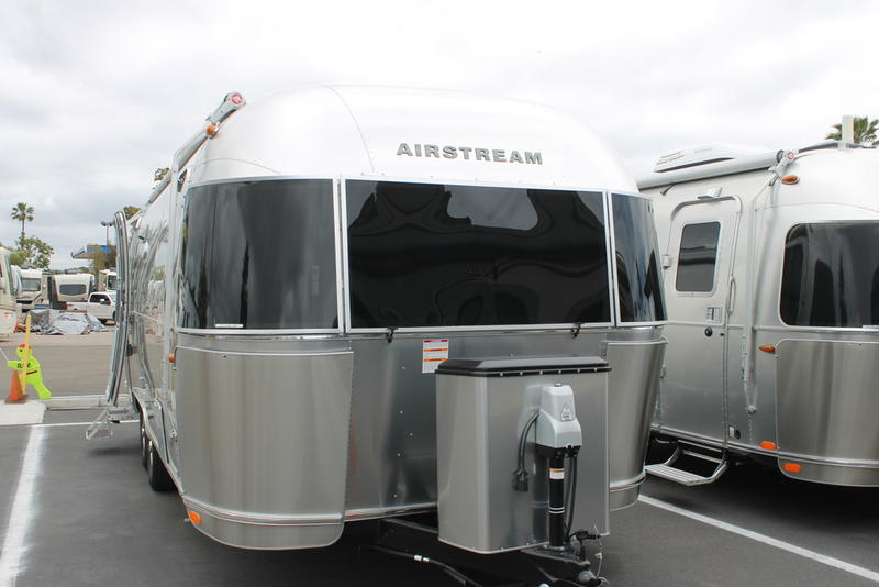 2019 Airstream Flying Cloud 25FB | RV Solutions Inc
