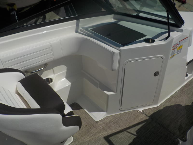 2020 Sea Ray boat for sale, model of the boat is SPX 190 & Image # 12 of 14