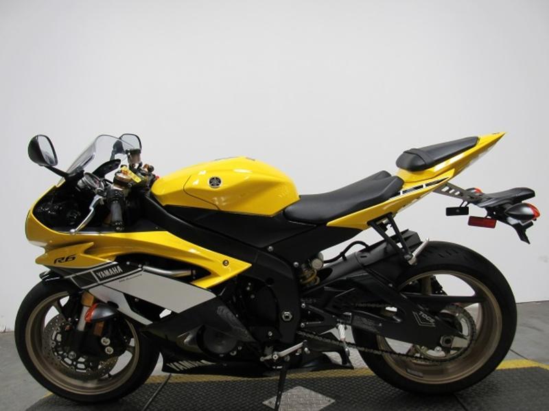 2016 Yamaha YZF-R6 9