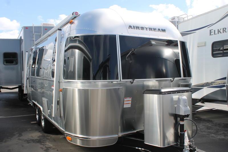 2019 Airstream International Serenity 23FB | Airstream San Diego