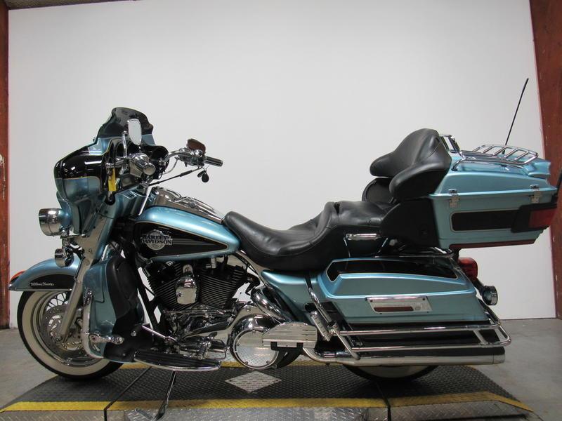 2007 Harley-Davidson FLHTCU - Electra Glide Ultra Classic 8