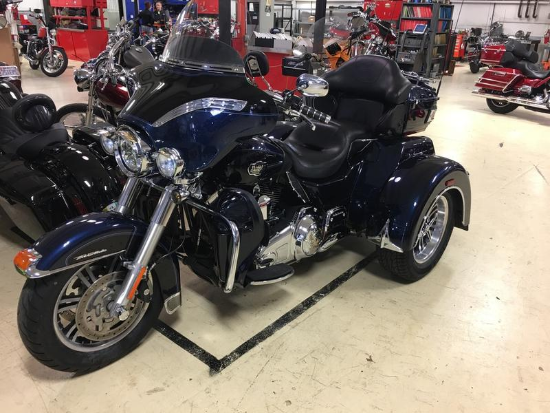 2013 Harley Davidson Flhtcutg Tri Glide Ultra Classic Review: 2013 Harley-Davidson® FLHTCUTG