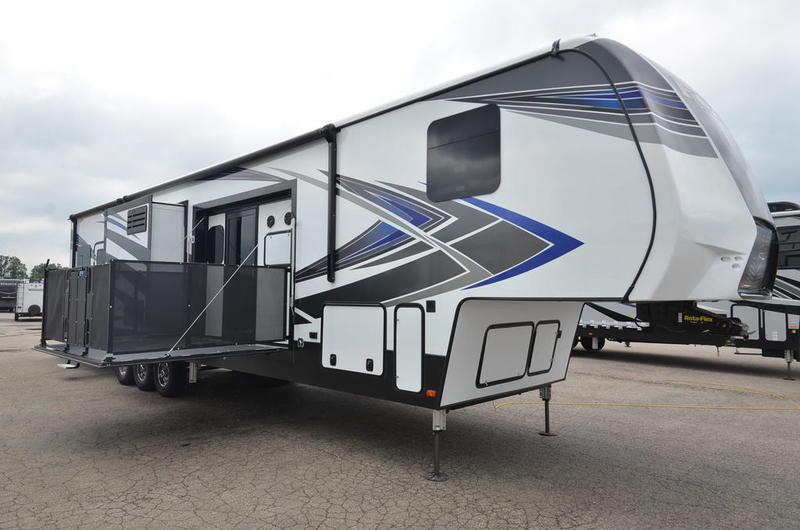 2020 Keystone RV 424 TOY HAULER | Holman RV