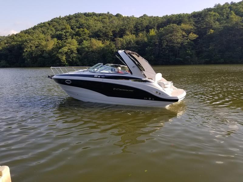 2019 Crownline 264 CR | Shy Beaver Boat Center