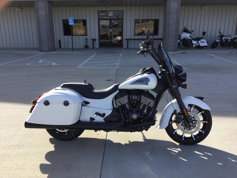2019 Indian Motorcycle® Springfield® Dark Horse® White Smoke   Dream