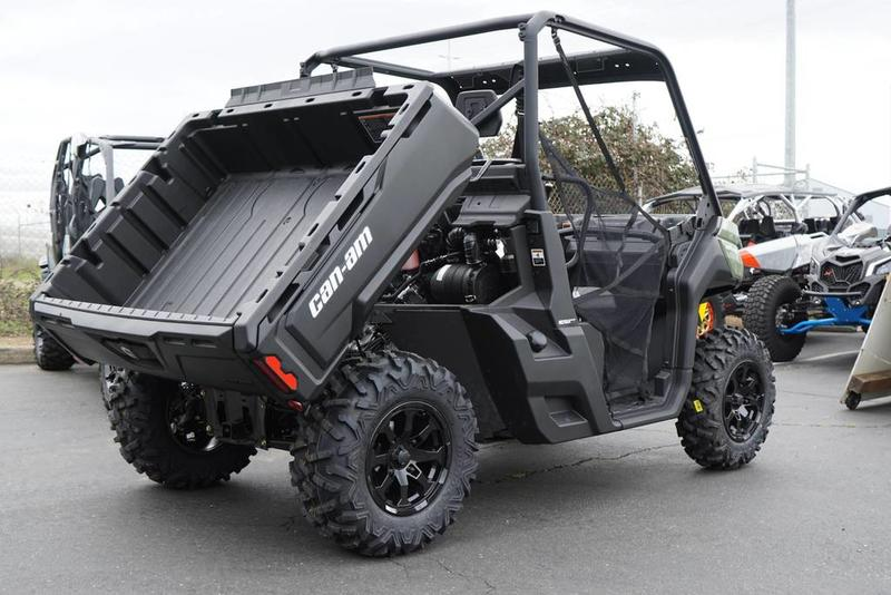 2019 Can-Am™ Defender HD8 6