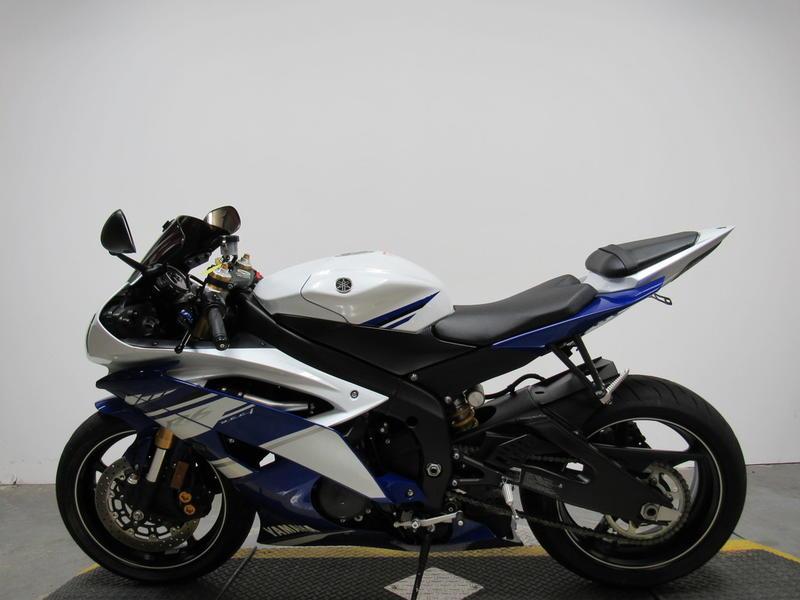 2014 Yamaha YZFR6 8