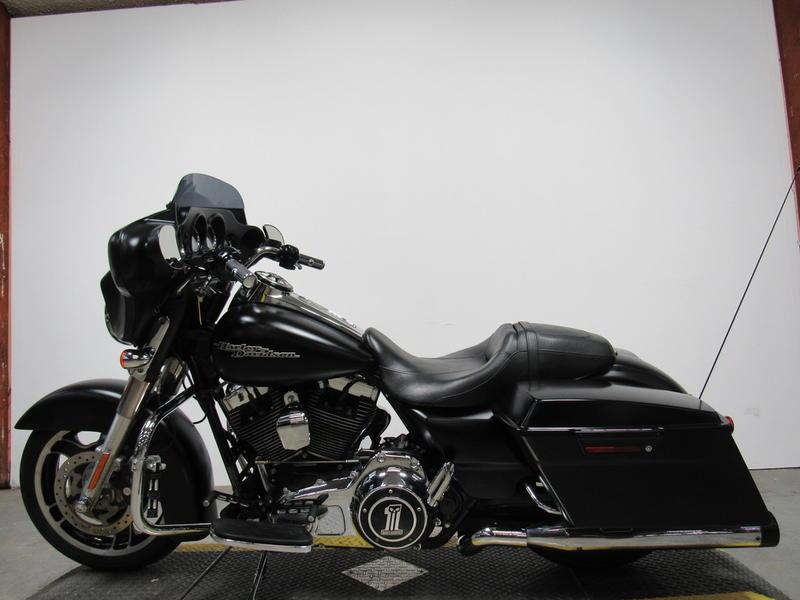2012 Harley-Davidson FLHX - Street Glide 8