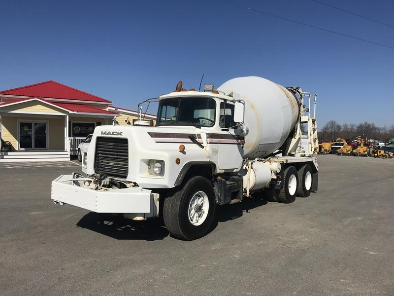 USED 2000 MACK DM690S CONCRETE MIXER TRUCK #596250