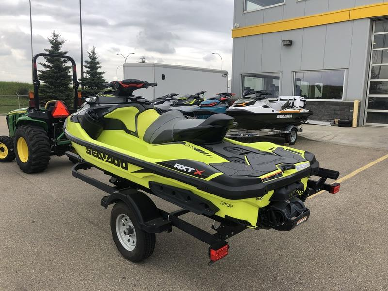 2018 Sea-Doo RXT®-X® 300 IBR & Sound System | Martin Motor