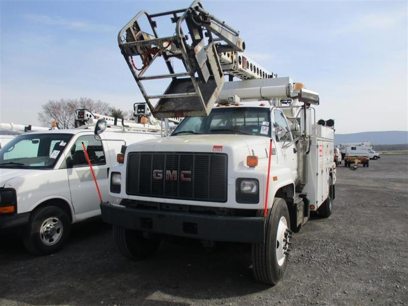 2002 GMC C7500 Cable Placing Bucket Truck Bucket Boom Truck