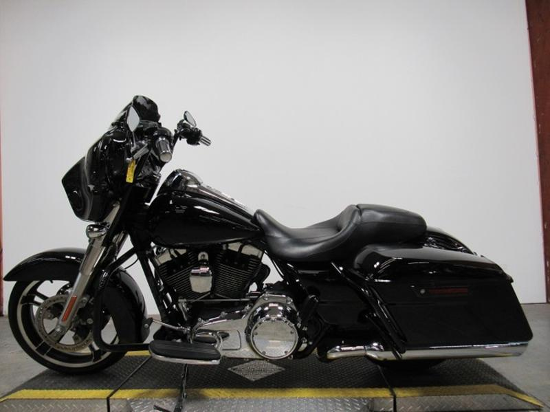 2015 Harley-Davidson FLHX - Street Glide 8