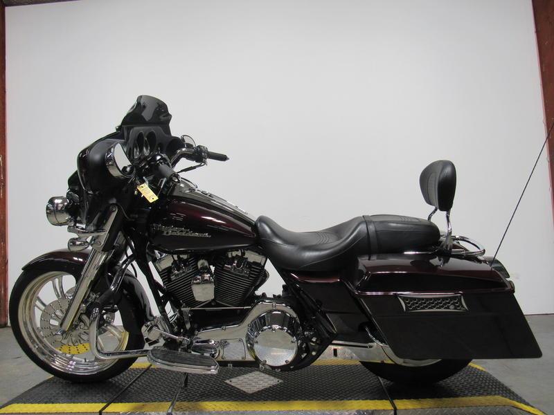 2006 Harley-Davidson FLHX - Street Glide 9