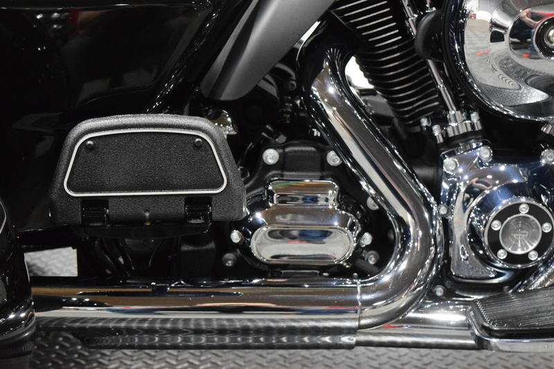 2016 Harley Davidson Tri Glide Ultra Classic: 2016 Harley-Davidson® FLHTCUTG