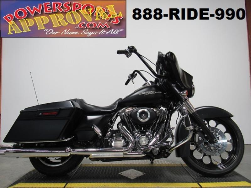 2012 Harley-Davidson FLHX - Street Glide 1