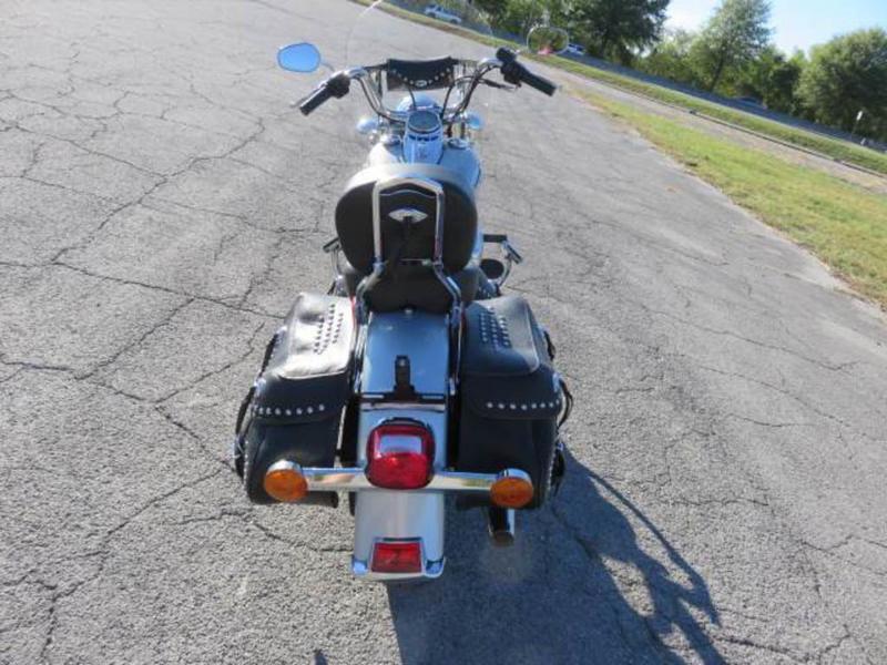 2011 Harley-Davidson FLSTC - Heritage Softail Classic 6