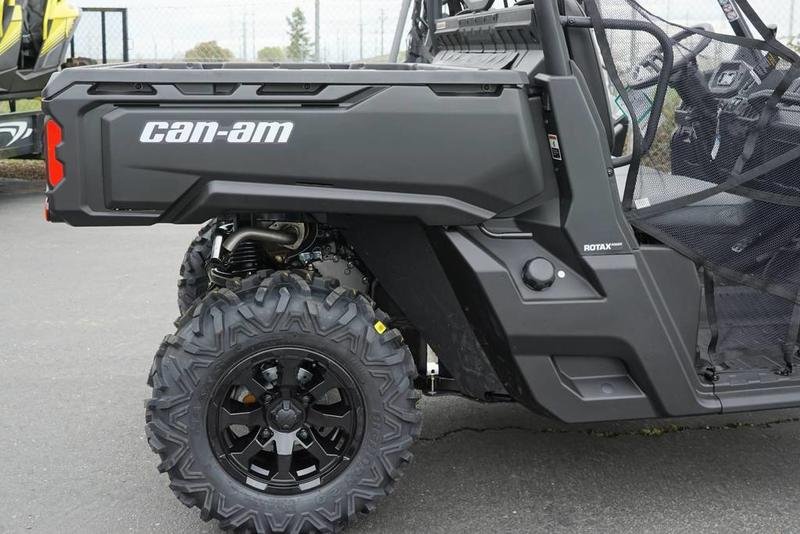 2019 Can-Am™ Defender HD8 4