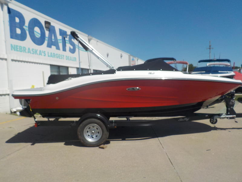 2020 Sea Ray boat for sale, model of the boat is SPX 190 & Image # 1 of 14